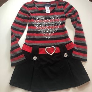 5/$20 Basic Editions black and red dress heart 4/5